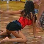 Jesica Hereñu en llamas: baile hot en 4 patas y mucho más en GH2011