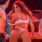 Strip HOT de Silvina Luna (culazo, lingerie y oops en Showmatch)
