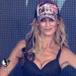 Sabrina Rojas in Bailando 2016 (busty blonde reggaeton)