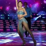 Candela Ruggeri in Bailando 2016 (hot legs and upskirts)