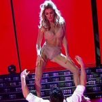 Maria Del Cerro in Bailando 2016 (striptease in lingerie)