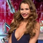 Pampita shows her cleavage in Bailando 2016