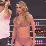 Barby Reali in Bailando 2015 (hot body in bra and panties)