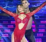 Cinthia Fernandez red hot dress in Bailando 2015