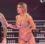 Laura Fernandez in Bailando 2015 (underwear and reggaeton)