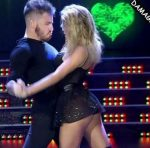 Laura Fernandez in Bailando 2016 (black boots and upskirts)