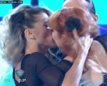 Macarena Rinaldi and Connie Ansaldi kiss in Bailando 2015