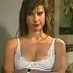 Karen Reichardt white lingerie in Peor es Nada (sexy blonde !)